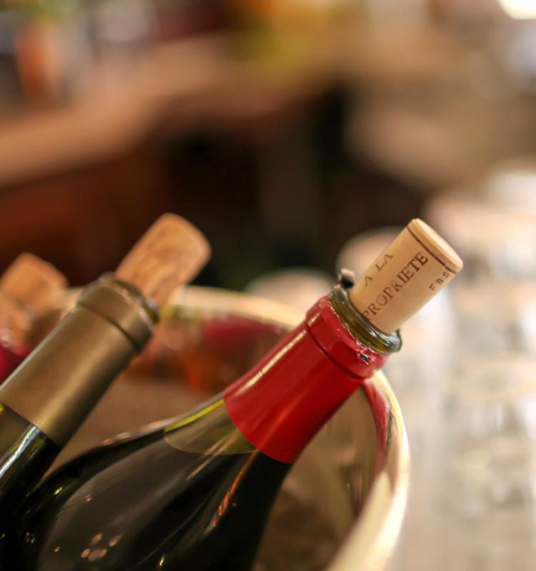 ワイン片手に味わうフランス ~パリと京都のリアルライフ~ 生活者目線&国際派コンサルタントならではの解説で、フランスのリアルライフに迫ります。