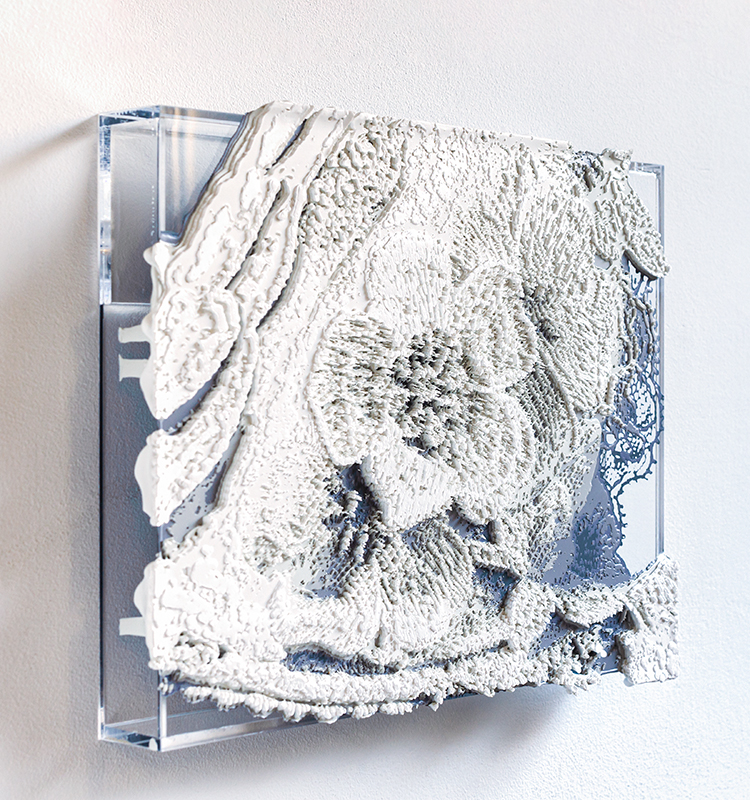 芳木麻里絵 作品《Lace#26》2019|17×22.5×3cm|アクリルボックスの上にシルクスクリーン